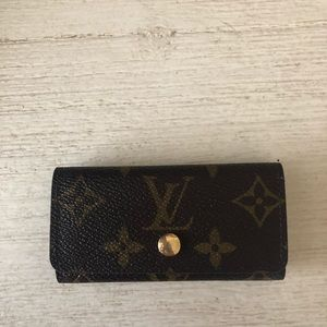 ❤️AUTHENTIC LOUIS VUITTON 4 RING KEY HOLDER
